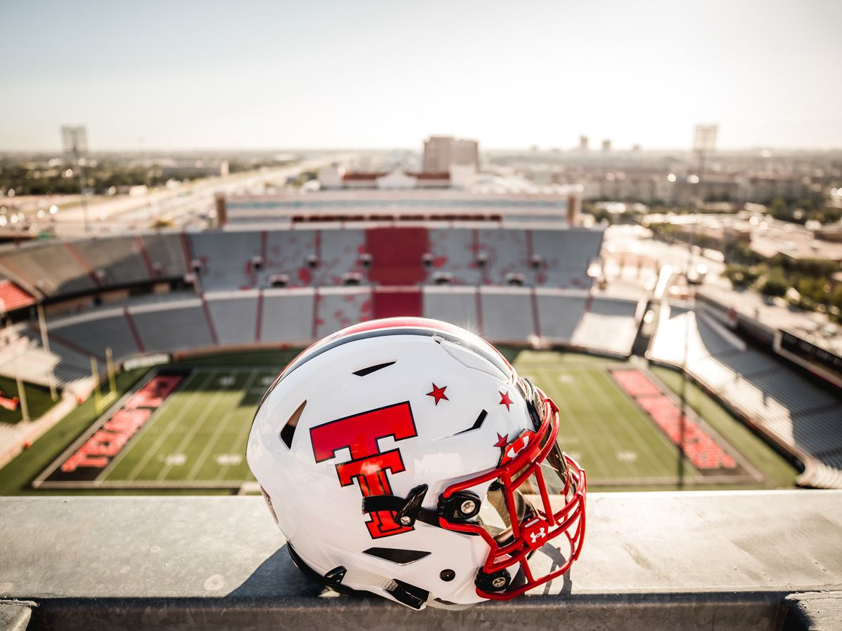 Red Raiders kick off Homecoming game vs. Iowa State, 11 a.m.