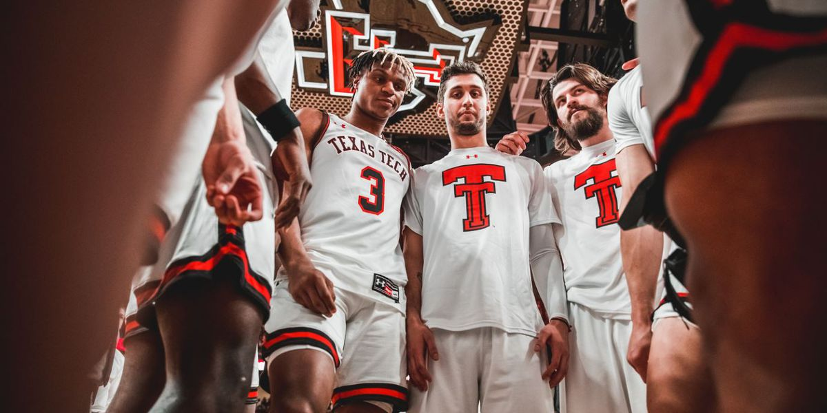 Texas Tech falls to No. 1 Kansas 66-62