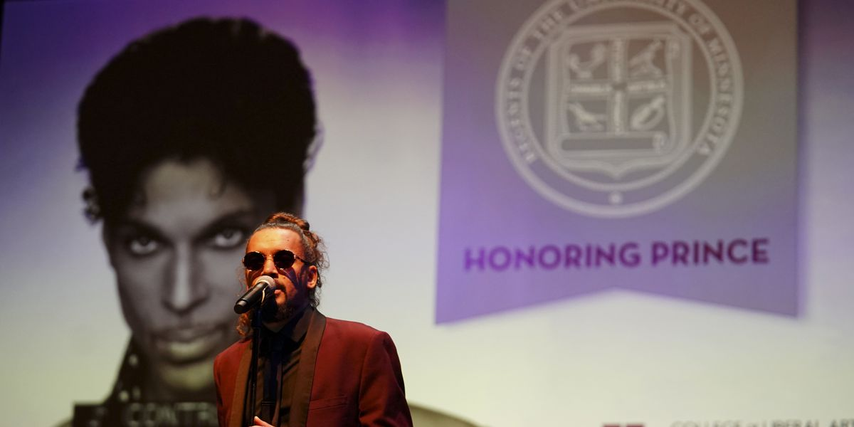 University of Minnesota awards honorary degree to Prince