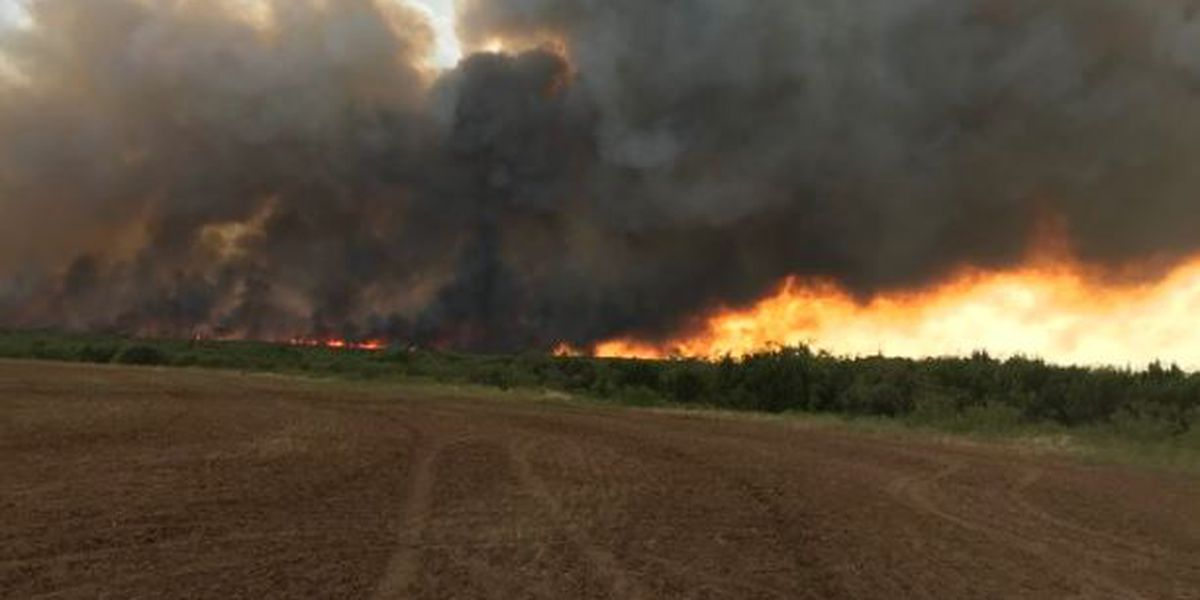 Area fire crews continue to battle range fires in Hardeman County, Cottle County