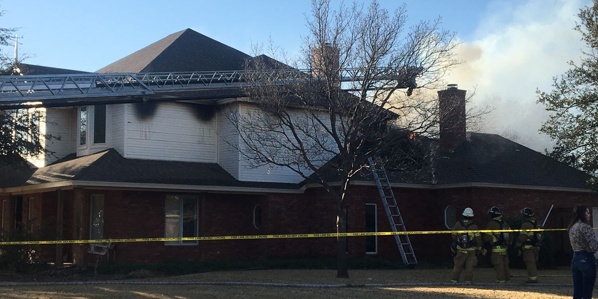 VIDEO: House fire in 94th Street neighborhood, Lubbock Fire Rescue responding