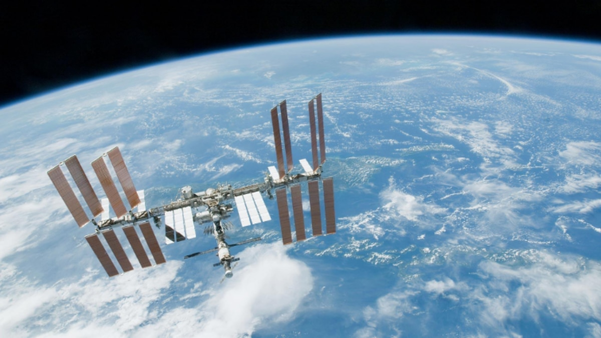 Lubbock High School hosts oath of enlistment from International Space Station
