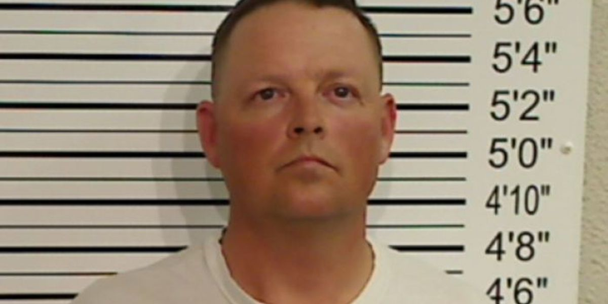 Former Abernathy police chief indicted on theft charge
