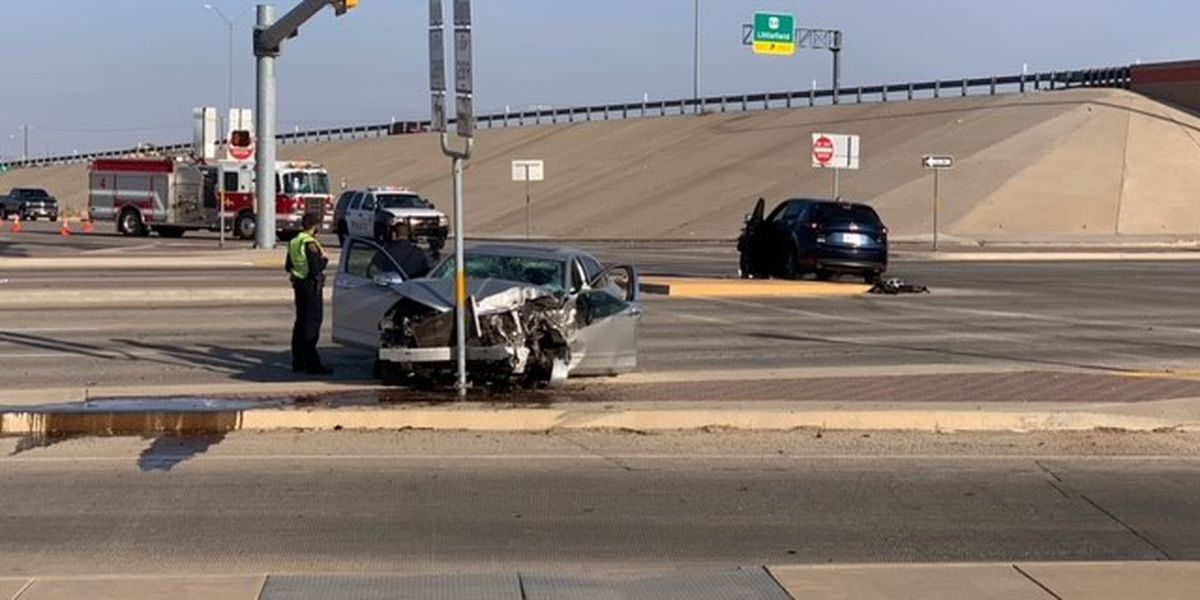 3 injured in collision at Quaker & North Loop