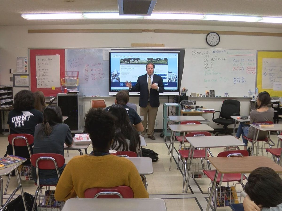 """Lubbock lawyers help high school students with law, responsibility in """"Now You're 18″ classes"""