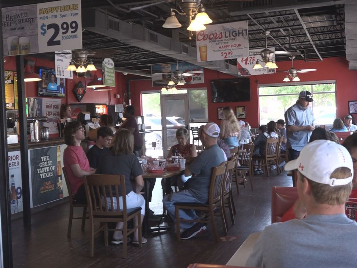 Lubbock businesses booming for graduation weekend