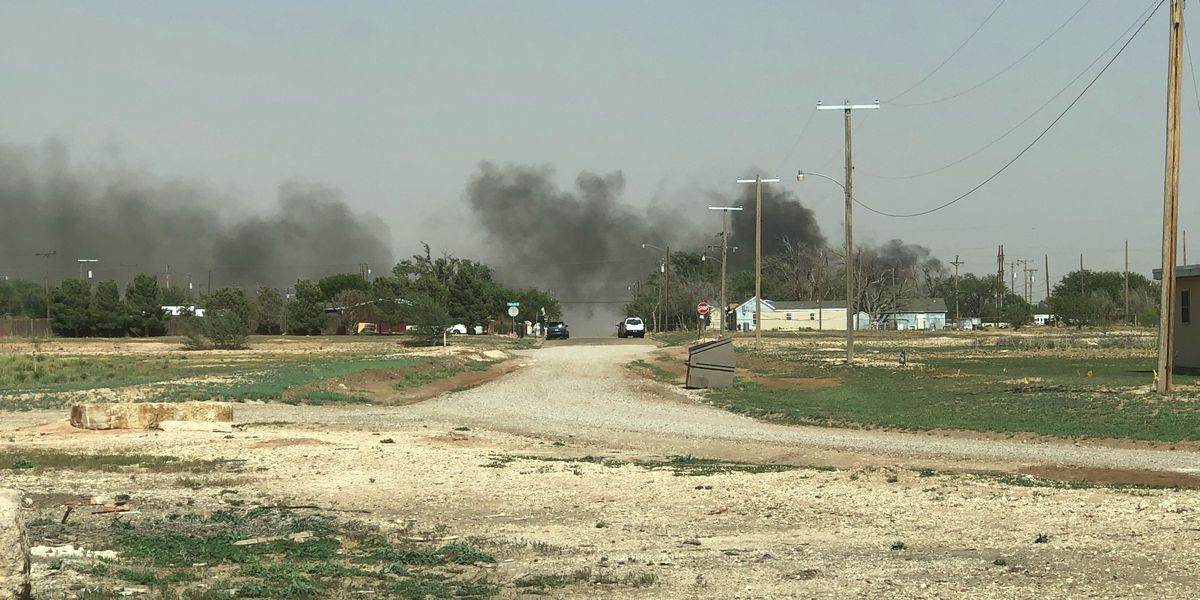 Roosevelt VFD fights grass fire in NE Lubbock
