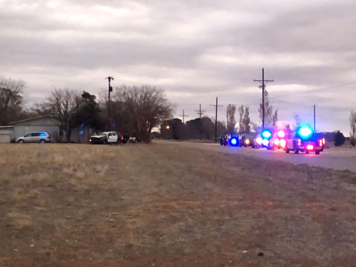 Stolen vehicle police chase leaves Lubbock officer and suspect injured Friday morning