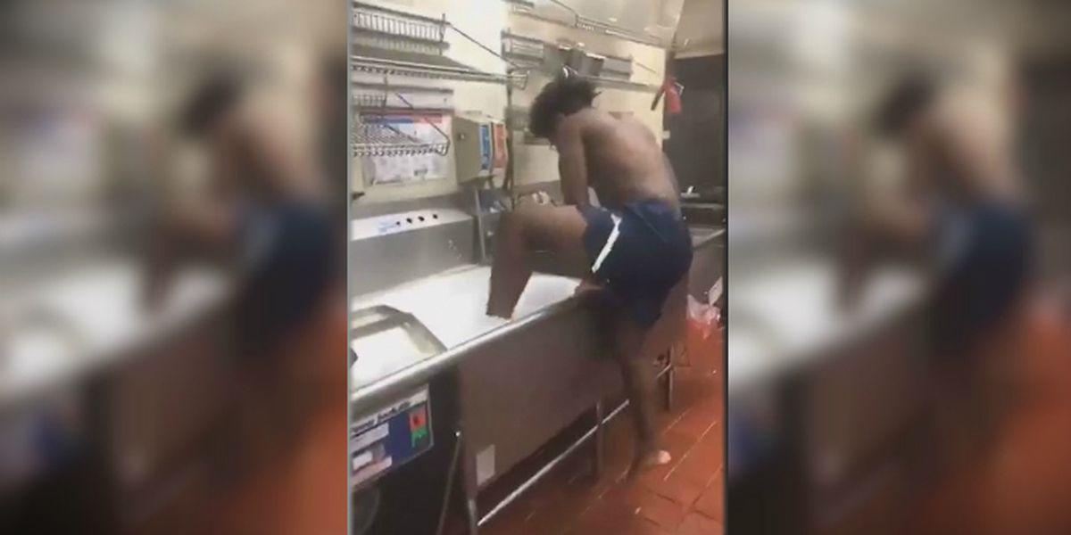 Florida man takes a bath in kitchen sink at Wendy's
