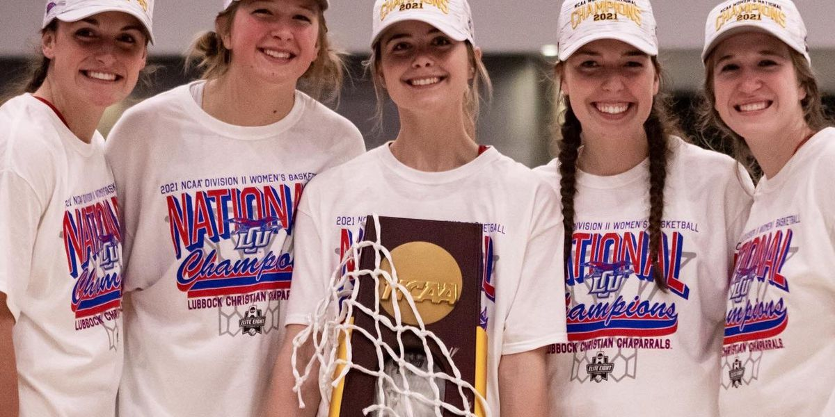 Fans welcome National Champion Lady Chaps home on Saturday