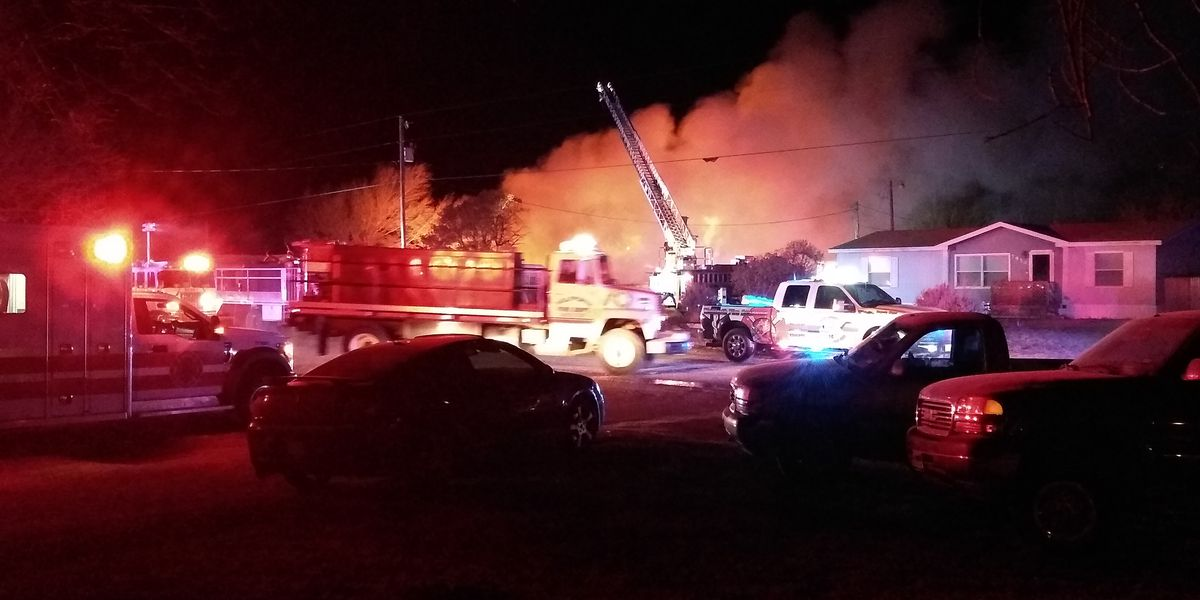 3 mobile homes destroyed in Wednesday night fire near Wolfforth