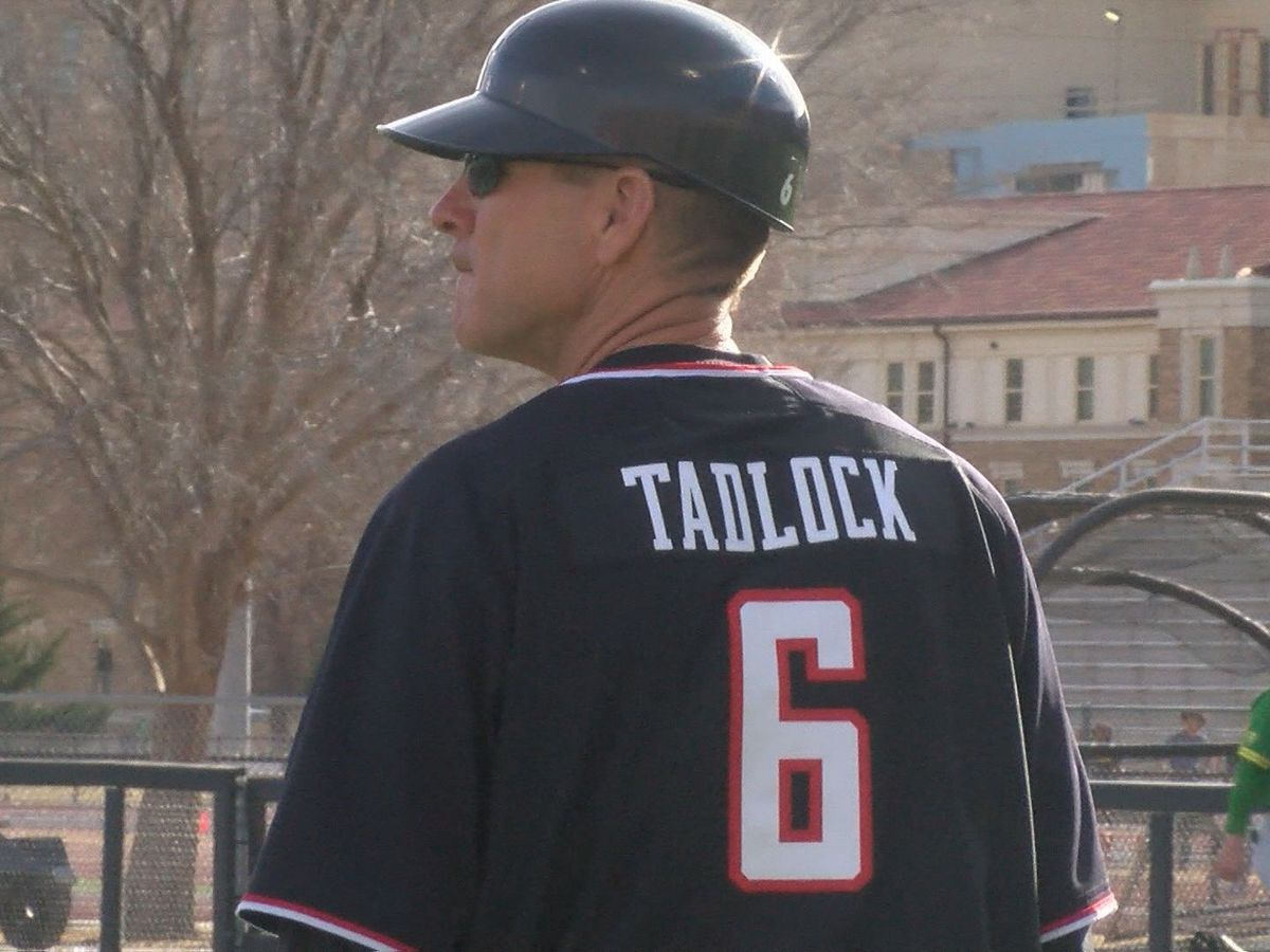 No. 3 Red Raiders drop opening day game to Oregon