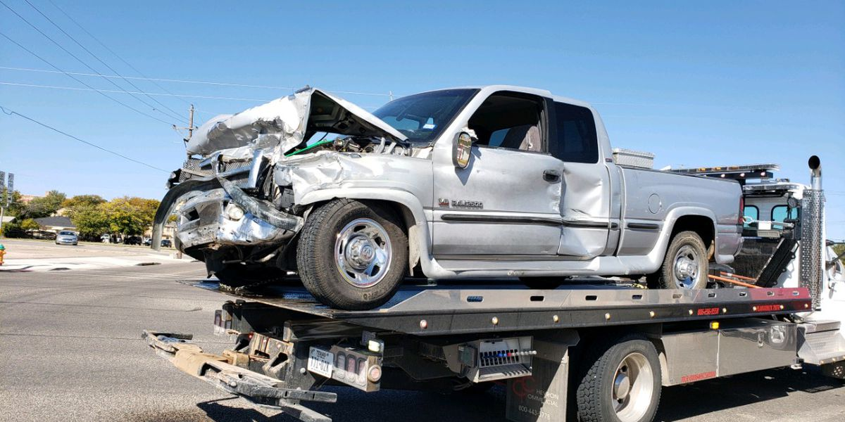 3 injured in major crash in Plainview on Saturday afternoon