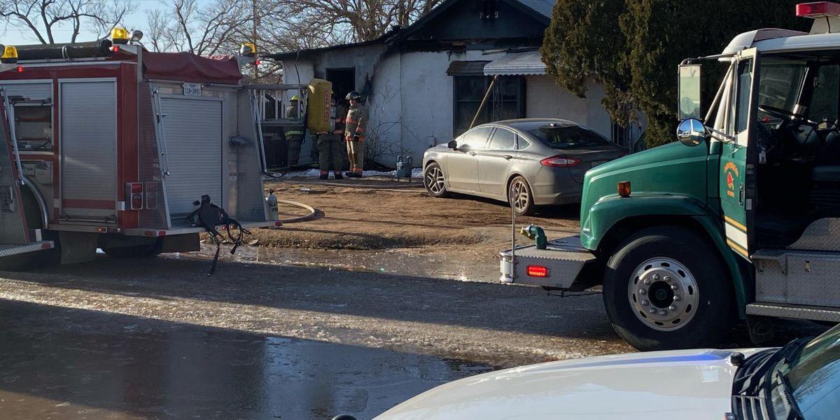Mulitple fire crews on scene of house fire in Slaton Friday morning