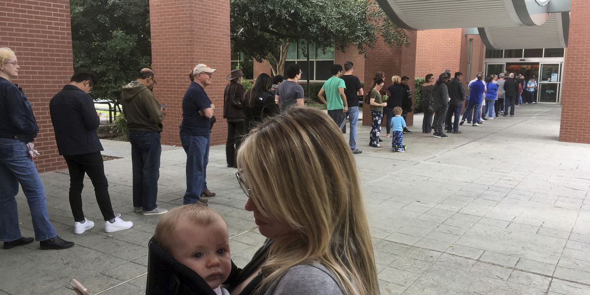Texans say voting machines changing straight-ticket choices