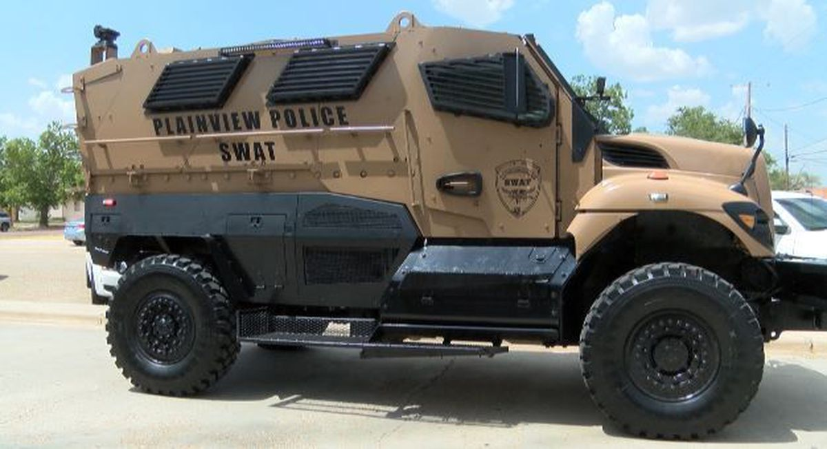 Reagor Dykes Plainview Texas >> Plainview Police Department shows off new SWAT vehicle