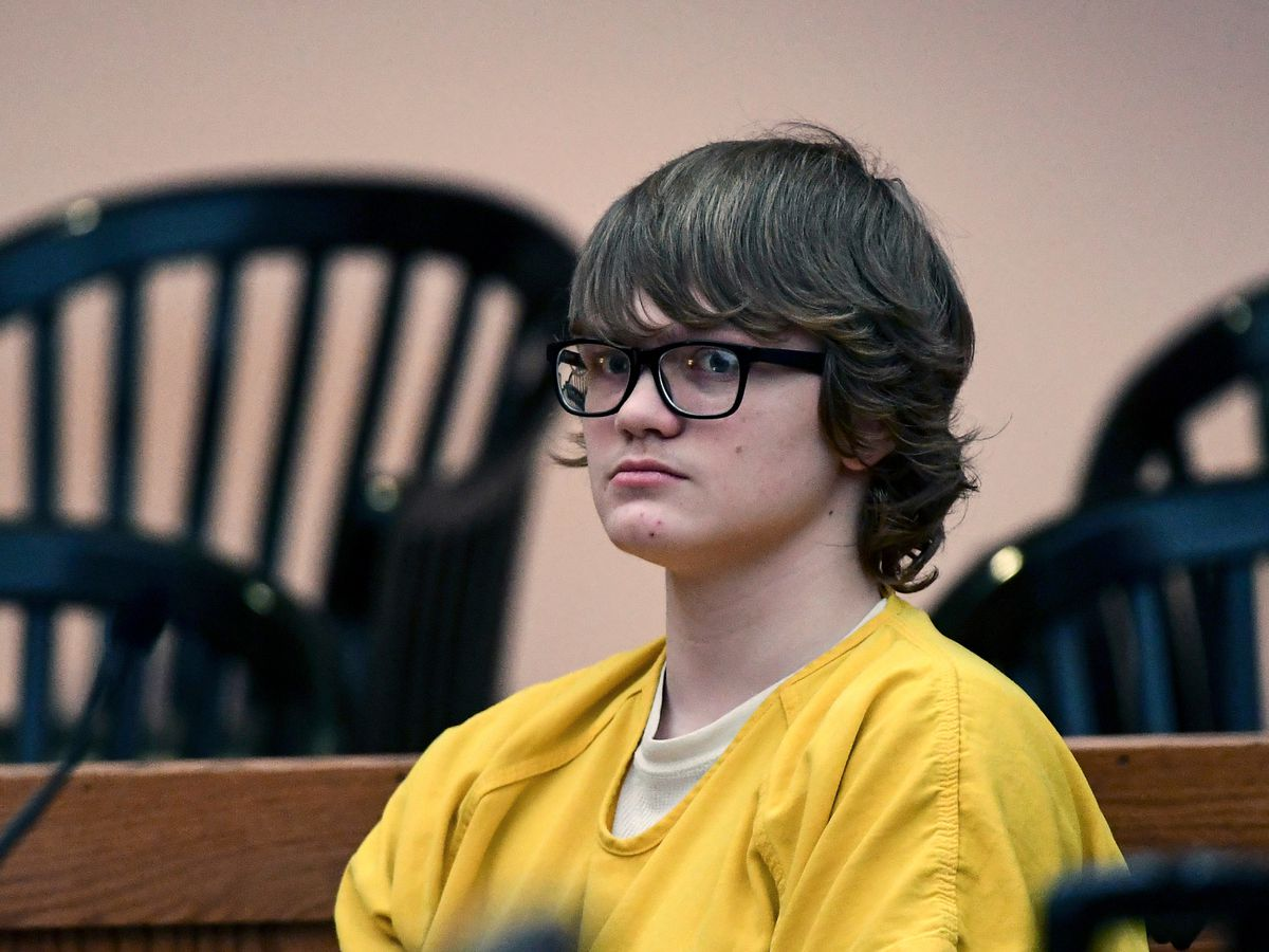 Prosecutor: Messages show teen plotted SC school shooting