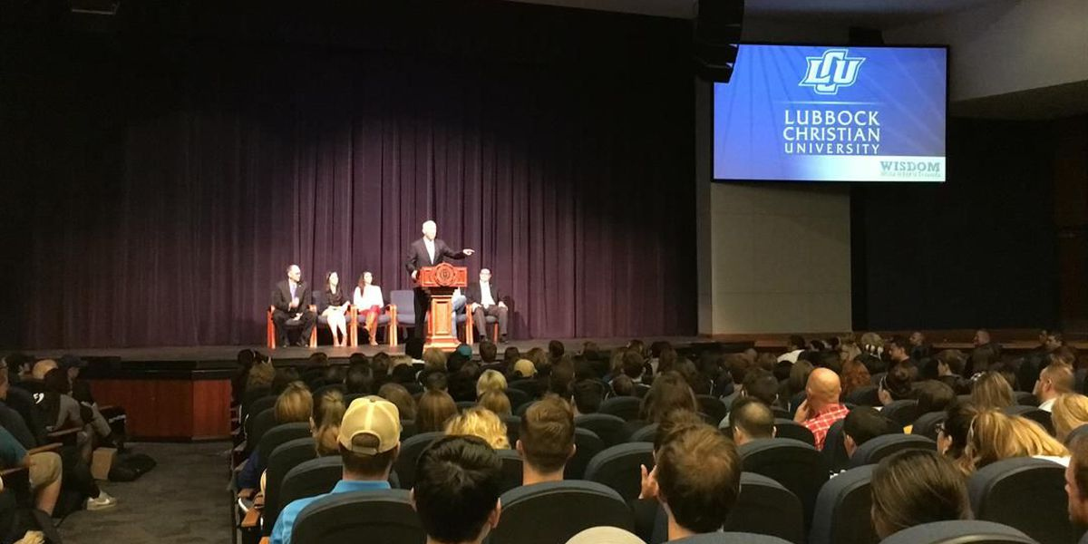 Mayor Dan Pope reads proclamation for LCU's 60th year