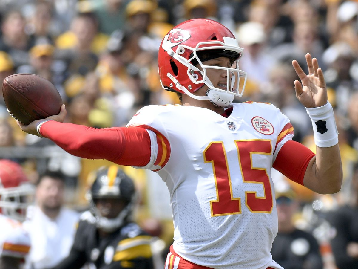 Patrick Mahomes becomes first Big 12 QB to win NFL Playoff game