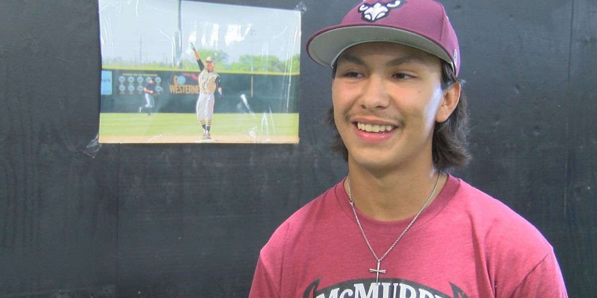 Lubbock High graduate signs to play baseball at McMurry University