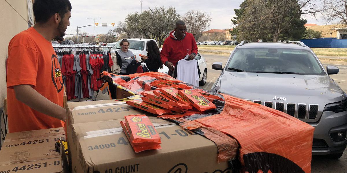 Reese's drops off 3-pack candies for 3-seed Texas Tech
