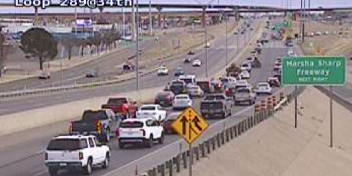 TRAFFIC ALERT: Crash backing up traffic on West Loop 289 and 34th