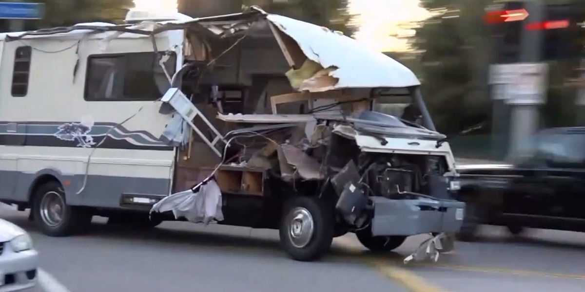 VIDEO: Wild RV chase ends in crash; dog jumps from moving vehicle