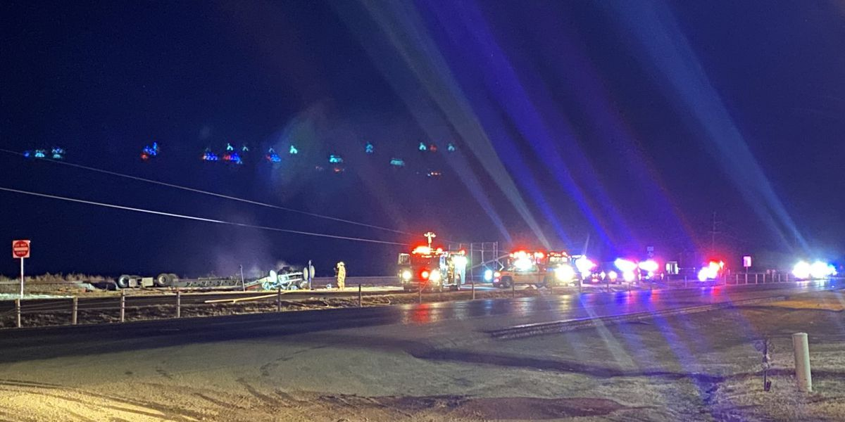 One killed in overnight crash near Slaton