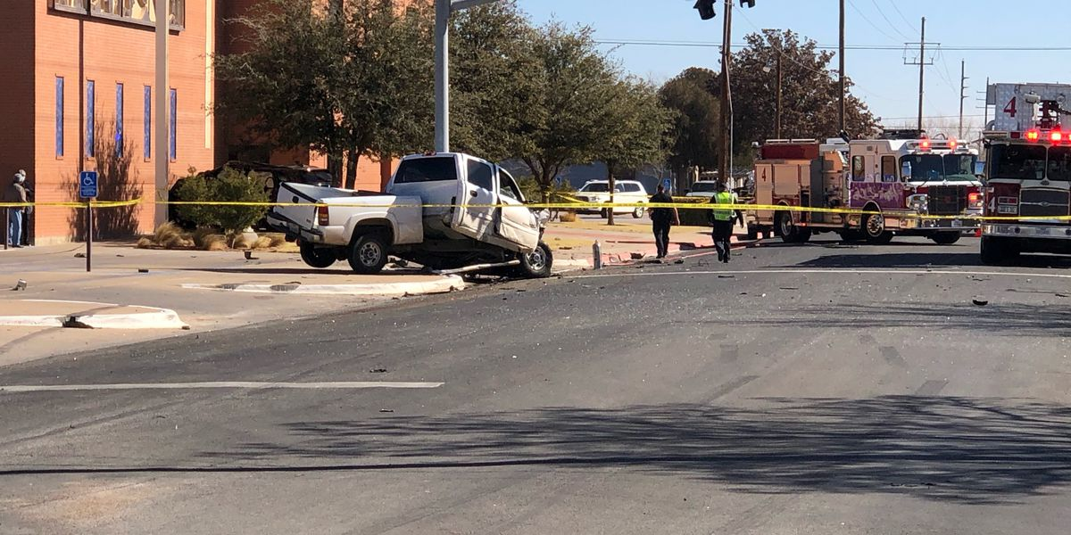 Police identify people killed after vehicle crashes into utility pole in Lubbock