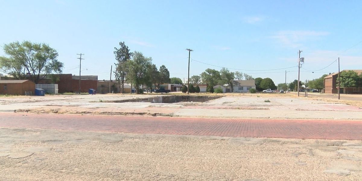 Klemke's owner talks about support, update 1 year after fire destroyed his building in Slaton