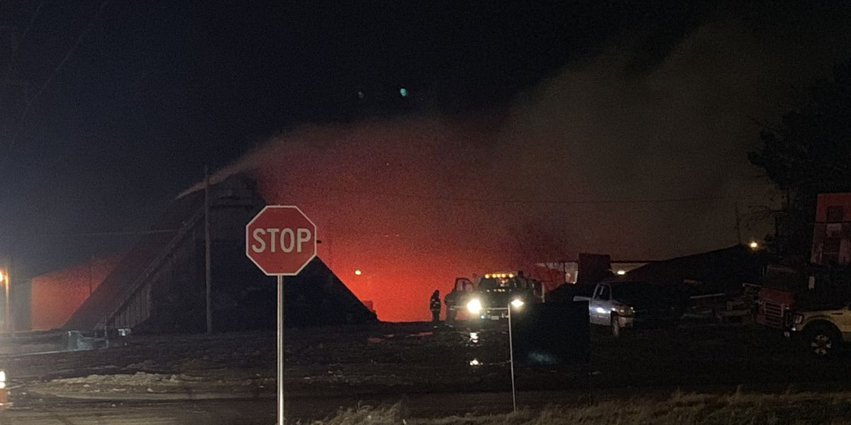 All evacuations lifted in Brownfield West Gin fire