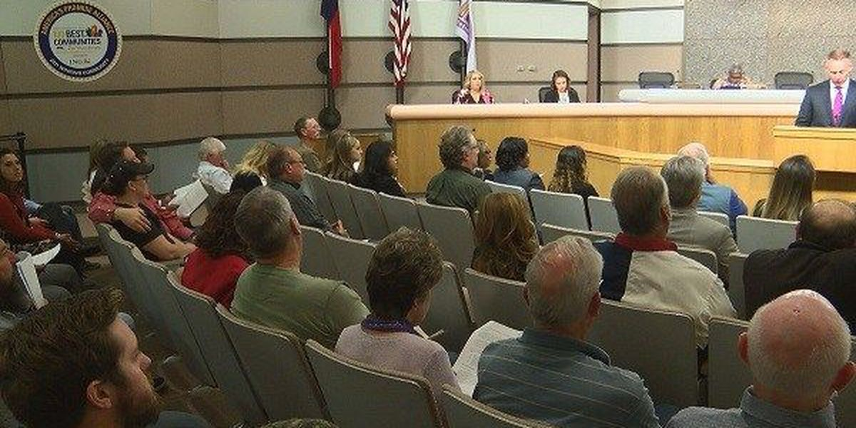 City Council votes to reduce Atmos Energy rates, move forward on Civic Center Hotel