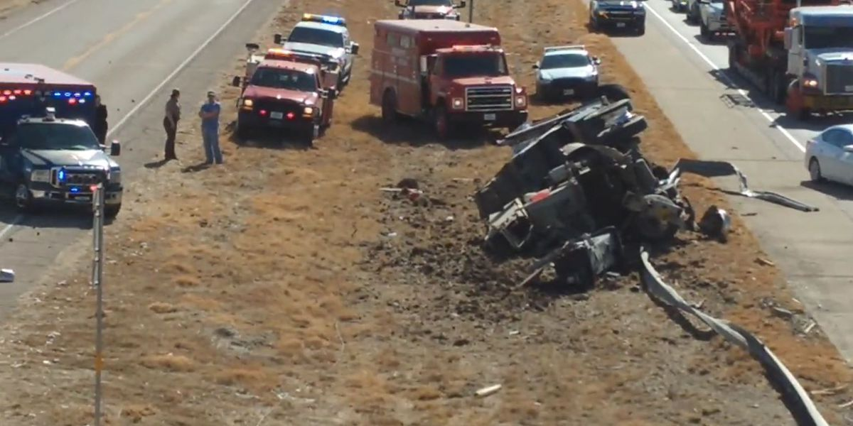 3 drivers sent to hospital after crane truck collision near Abernathy