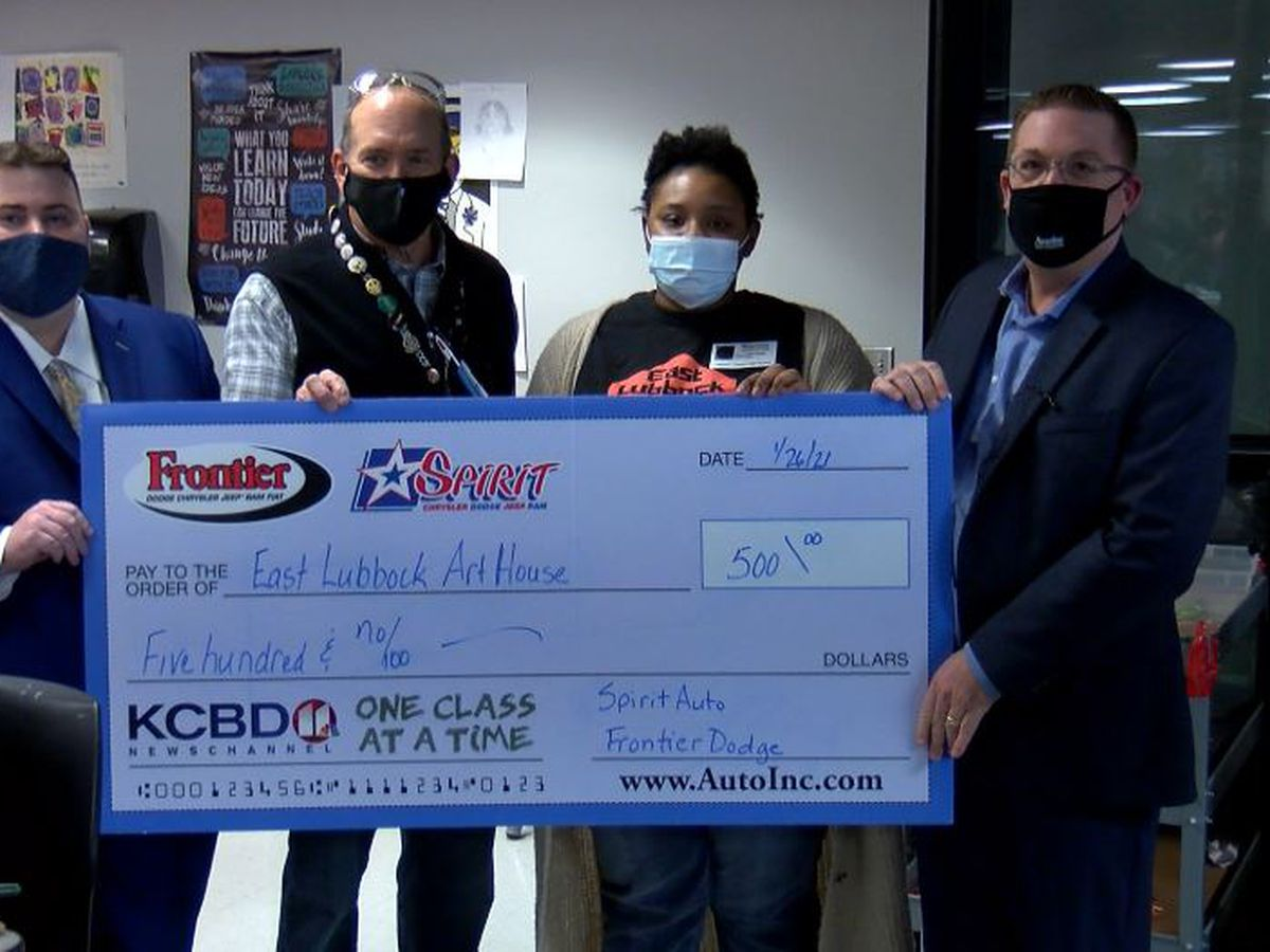 One Class at a Time: Lubbock Cooper High School teacher, East Lubbock Art House awarded $500