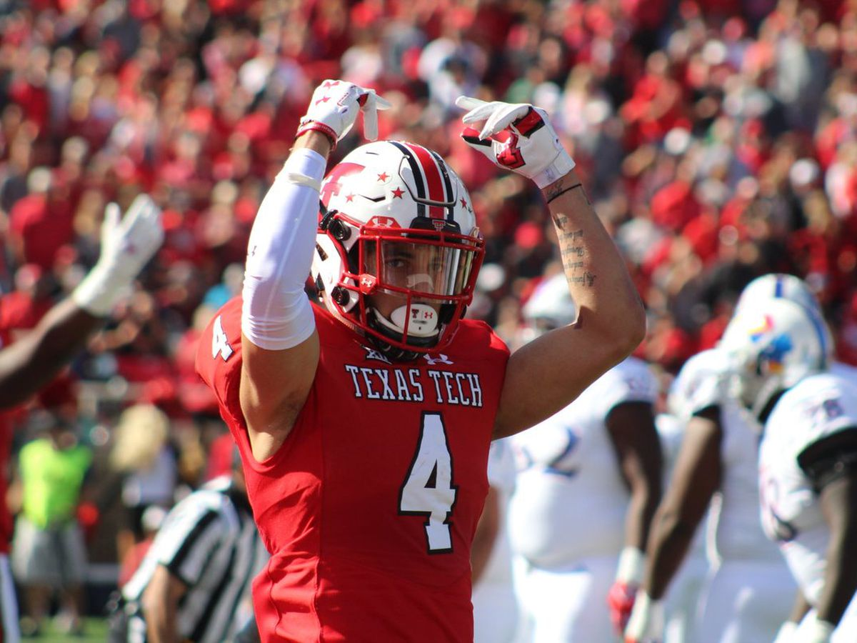 Bowman returns as Red Raiders top Kansas, 48-16