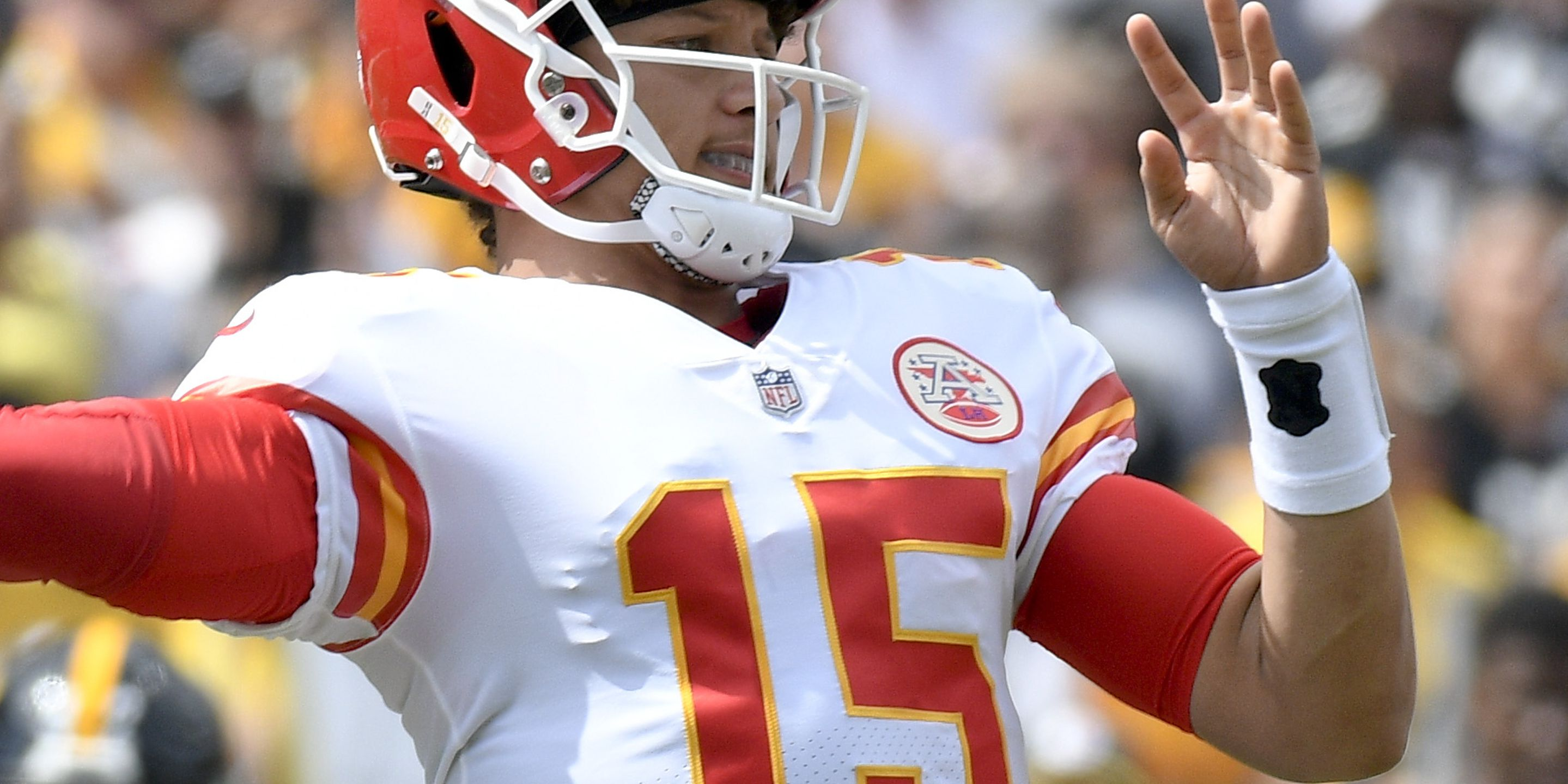 Patrick Mahomes breaks another NFL record
