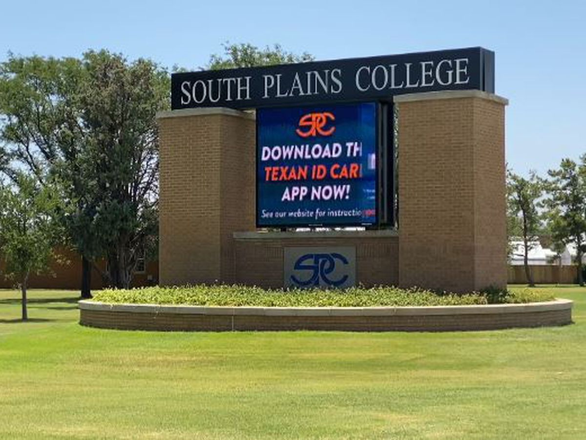 New Mexico Lobos land at South Plains College