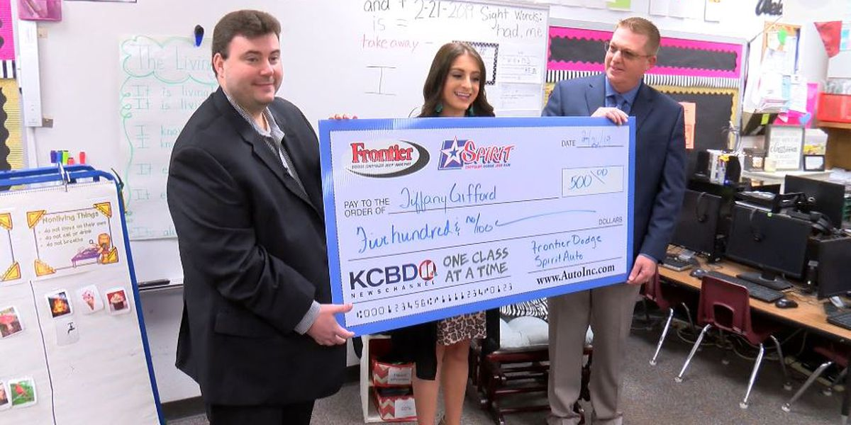 One Class At A Time: Roosevelt ISD teacher, Stepping Stones awarded $500