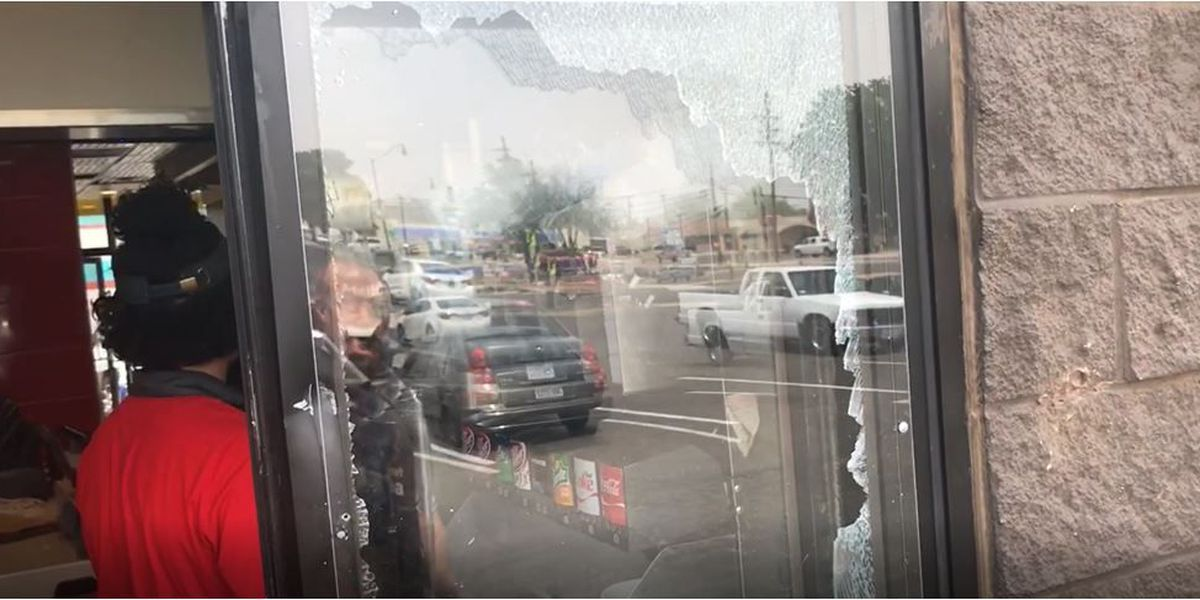 Report: Man smashes McDonald's drive-thru window with bat after not getting biscuits & gravy