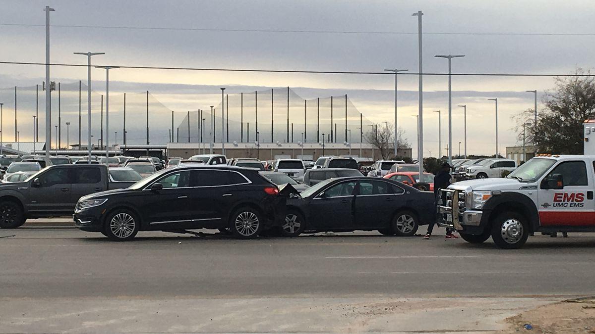 2 injured in 2-vehicle crash at Spur 327 & Milwaukee