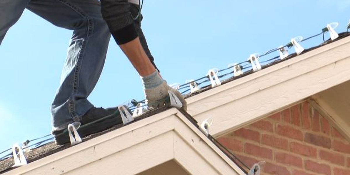 Lubbock roofer encouraging you to not put up Christmas lights on house with Tuesday's gusty winds