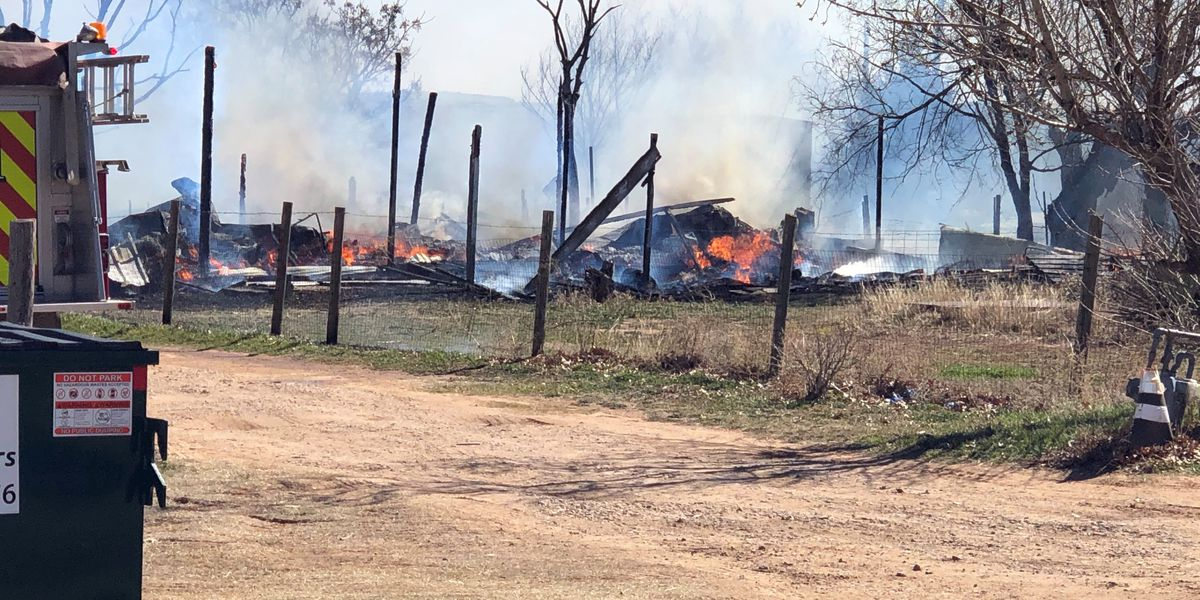 Structure destroyed in northwest Lubbock County fire