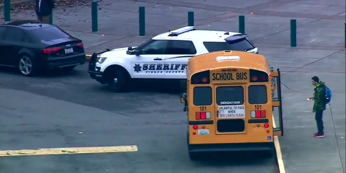 Teacher accused of threatening to shoot students in Wash.