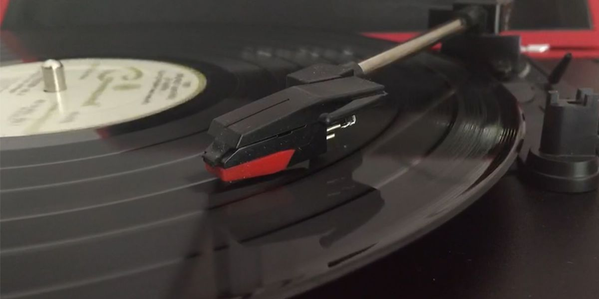 Vinyl records outsell CDs for the first time since 1986