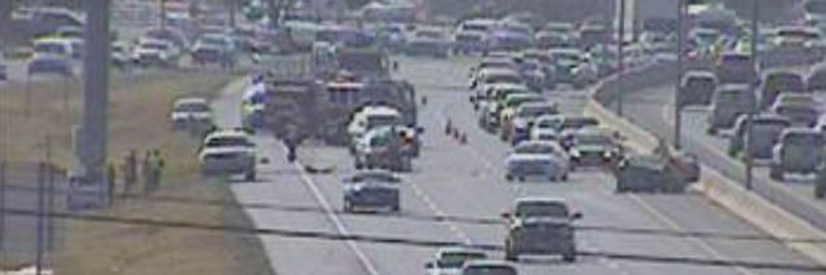 Eastbound lanes of south Loop 289 near Quaker blocked due to crash