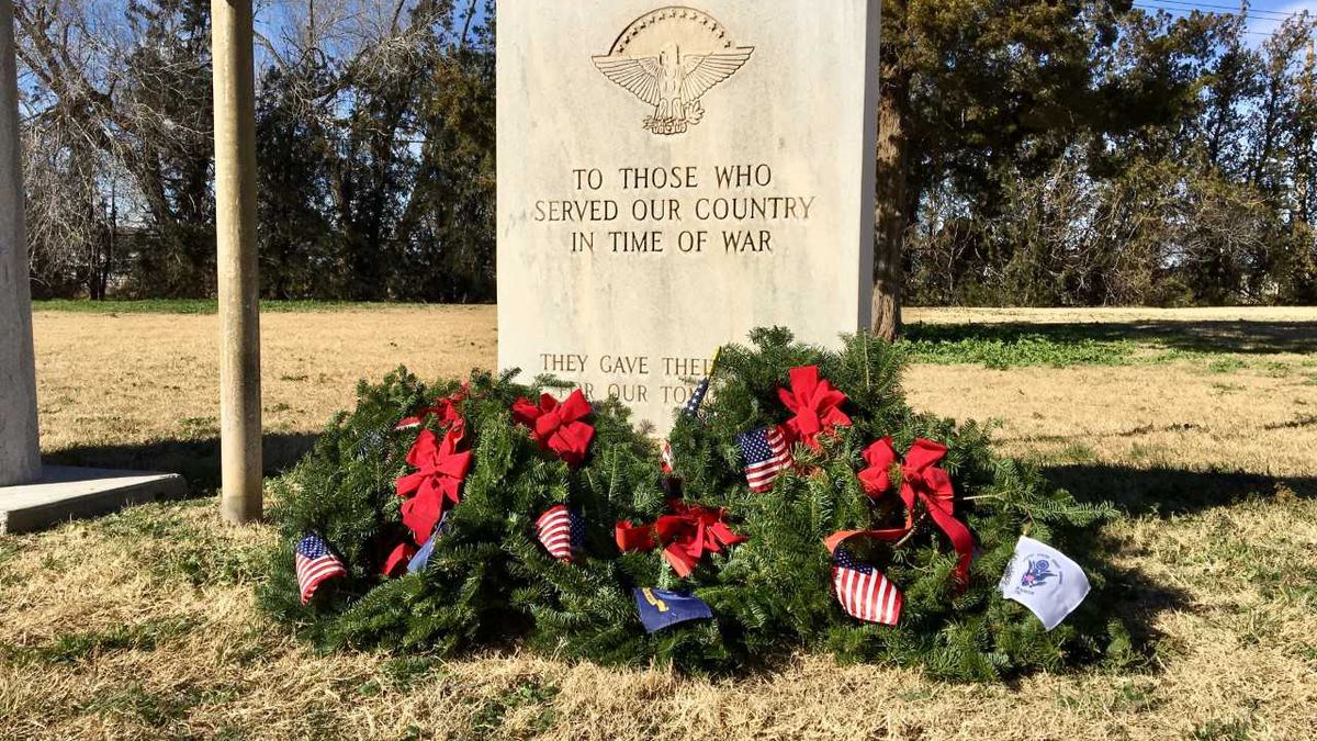 United Valor, Civil Air Patrol host Wreaths Across America to remember veterans