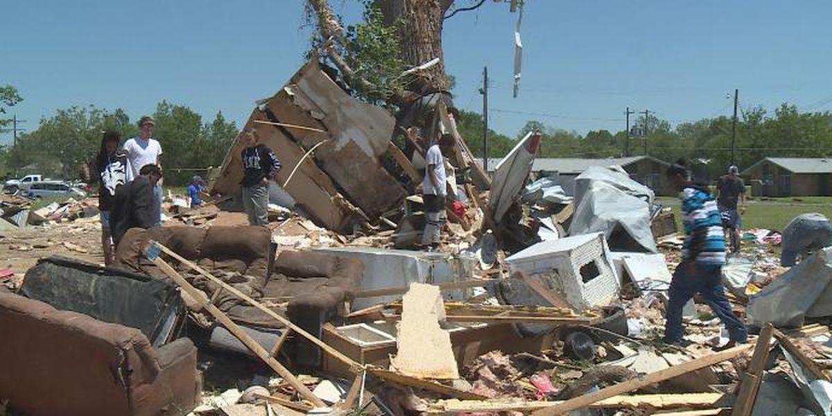 Strong storms rumble across Texas, Oklahoma, Kansas