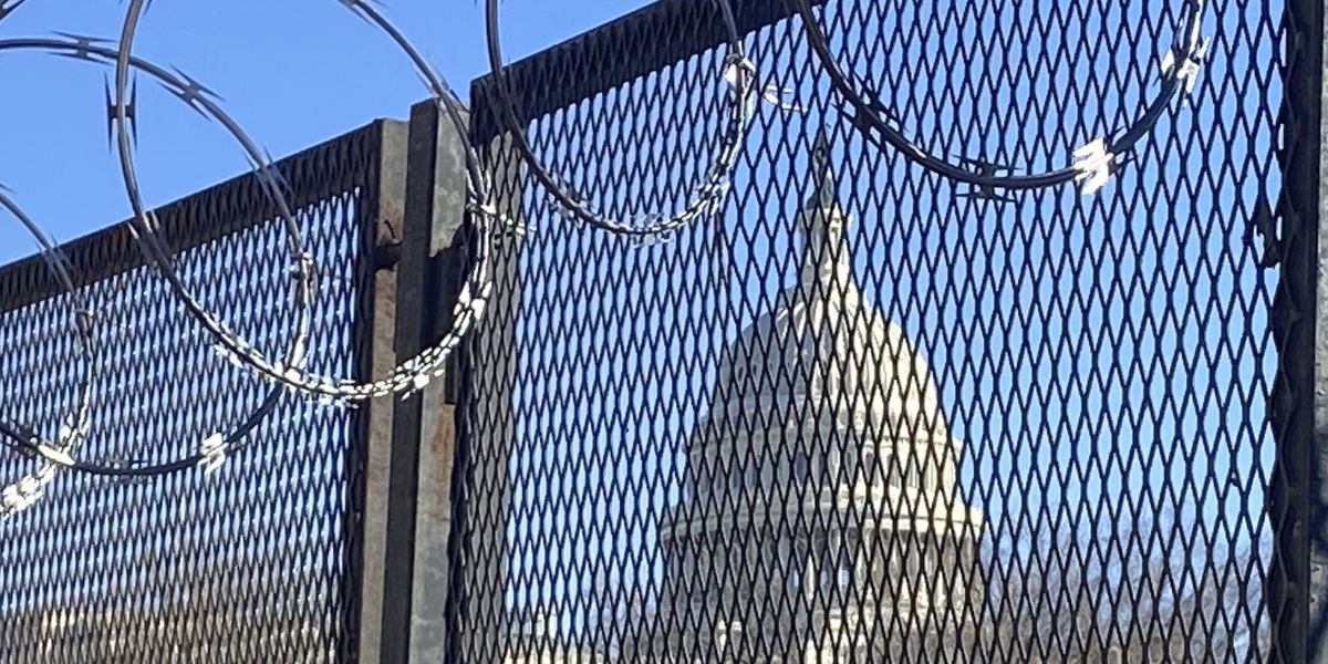 AP source: Police suggest keeping Capitol fence for months