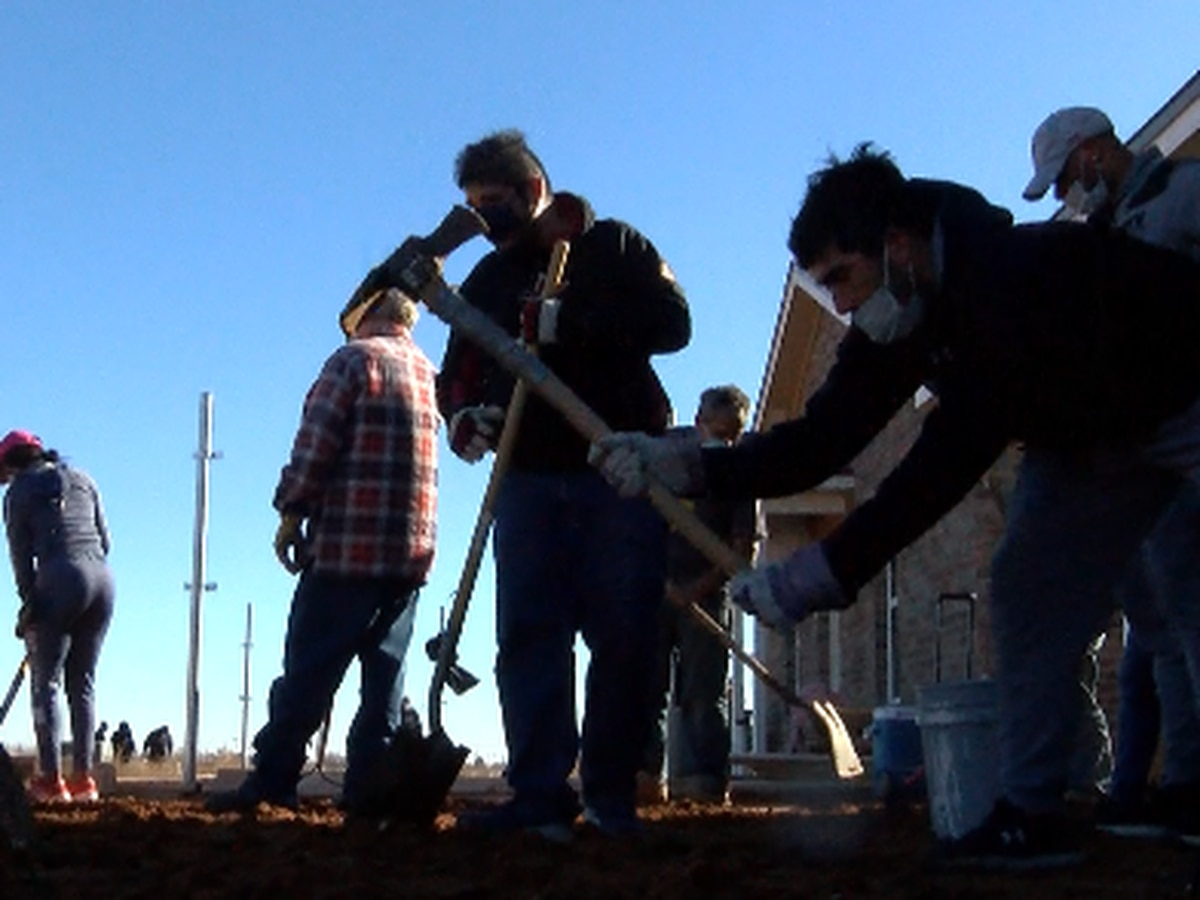 Homes built on MLK day to rebuild East Lubbock's economy