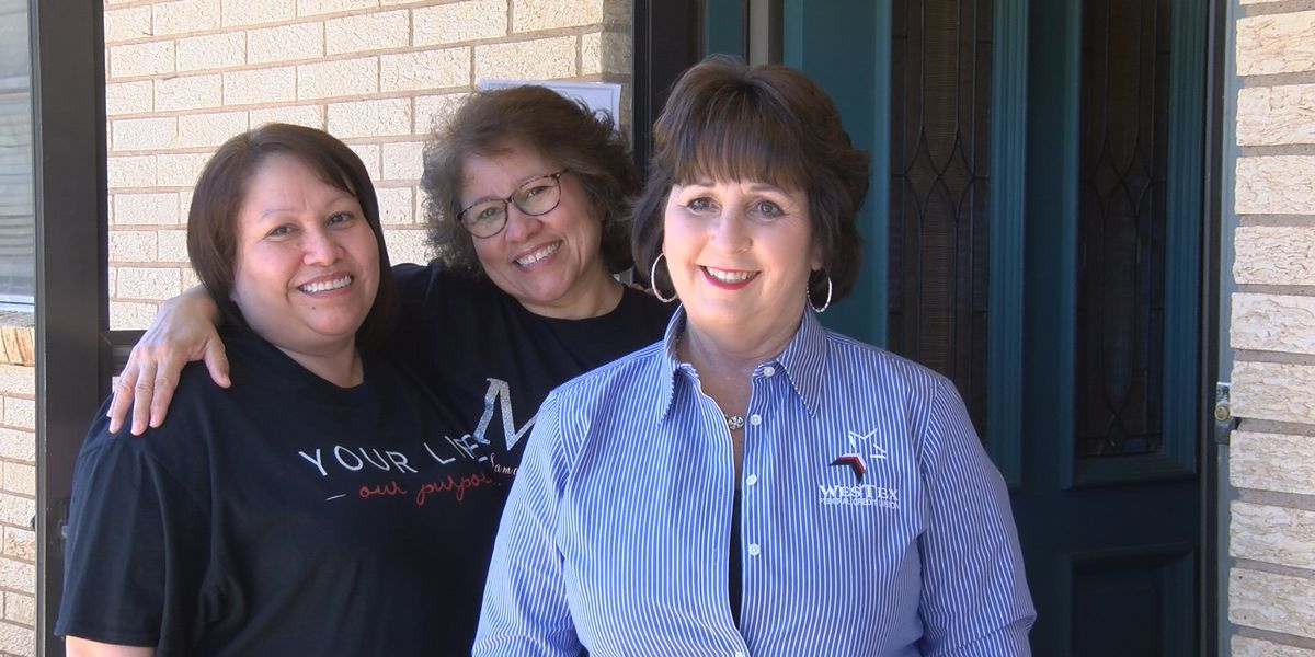 Pay It Forward: Wolfforth sisters